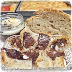 @farinanelsaccotorino sperimentiamo  abbiamo spalmato la crema ai tre cioccolati sul pane lm e abbiamo scoperto che può essere un'ottima 'nutella' artigianale...vi aspettiamo per l'assaggio #lievitomadre #pane #carcere #torino #turin #torinofoodporn #photooftheday #pmv #pastamadre #figlidipastamadre #foodporn #breadporn #italianbread #breadbuster #igerstorino #breadpower #italiaintavola #instabread #realbread #organicfood #levain #sordough #sordoughbread #artisanbread #bakery #bakerylife…