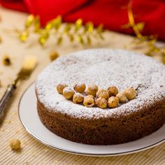 Torta gianduia Pastry Recipes, Dessert Recipes, Desserts, Quiche, Bakery Cakes, Something Sweet, Cake Cookies, Food Pictures, Italian Recipes