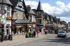 part-of-atholl-road-pitlochry-pitlochry-united-kingdom1152_12927133571-tpfil02aw-19804.jpg