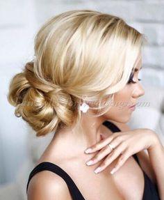 chignon wedding hairstyle Summer Wedding Hairstyles, Bride Hairstyles, Pretty Hairstyles, Hairstyle Ideas, Hairstyles Pictures, Bridesmaid Hairstyles, Glamorous Hairstyles, Hairstyles 2016, Everyday Hairstyles