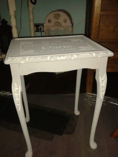 Doesn't it look gorgeous with a coat of paint and some stencilling