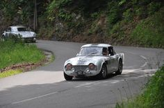 Never afraid by a Porsche on a mountain road...