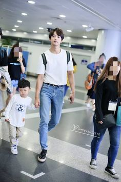 180918 Minho back in Korea. Shinee Minho, Lee Taemin, Korean Celebrities, Korean Actors, Asian Dad, Superman Kids, Choi Min Ho, Kim Kibum, Best Albums