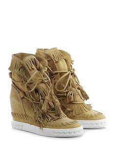 CASADEI - Sneakers - Donna - Sneaker in camoscio con allacciatura frontale 12cc3f25970