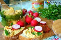 Hummus z masłem orzechowym, suszonymi pomidorami i śliwką http://fantazjesmaku.weebly.com/hummus-z-mas322em-orzechowym-suszonymi-pomidorami-i-347liwk261.html