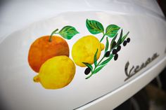 Charming hand-painted Vespa details