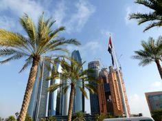 """Gold, Geld und die Faszination der Wüste - In Dubai und Abu Dhabi ist der Gigantismus zu Hause. Wer Ursprüngliches sucht, muss sich in die Wüste begeben und trifft dort auf 20.000 Kamele – und die Frage: """"Wann ist ein Kamel schön?"""". Der Reisebericht im Detail: http://www.nachrichten.at/reisen/Gold-Geld-und-die-Faszination-der-Wueste;art119,1279518 (Bild: rofi)"""