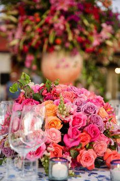 Espectacular Decoración y arreglos florales para boda en San Miguel de Allende, por http://www.bougainvilleabodas.com.mx/ Destination Wedding