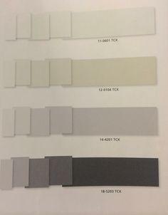 Paleta de color acromatica, predominan negros, grises y blanco, con acentos en beige.