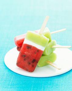 Dreifarbiges Eis am Stiel mit Melone | http://eatsmarter.de/rezepte/dreifarbiges-eis-am-stiel-mit-melone