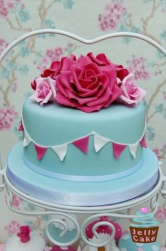 yes, this is a cake! Modern Fall Wedding Cake Pink First Birthday cake. love this cake Gorgeous Cakes, Pretty Cakes, Cute Cakes, Amazing Cakes, Cath Kidston Cake, Fondant Cakes, Cupcake Cakes, Gateaux Cake, Occasion Cakes
