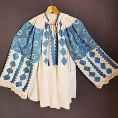 Banat Romania People, Folk Embroidery, Kimono Top, Bell Sleeve Top, Costumes, Popular, Traditional, Blouse, Clothing