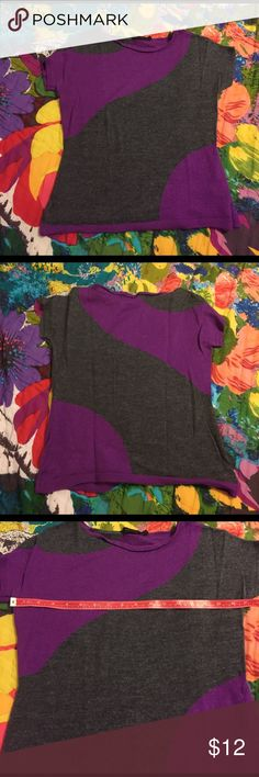 The Limited Intarsia Swirl Sweater Lightweight short sleeve super soft sweater with a cool plum and heather gray swirl pattern. 50/50 wool/acrylic. EUC, no flaws. The Limited Tops