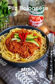 Mushroom Bolognese Sauce Recipe – Healthy & Vegan – Mrs Flury - My CMS Vegan Mexican Recipes, Italian Recipes, Healthy Dishes, Healthy Recipes, Shishkabobs Recipe, Baked Tacos Recipe, Mushroom Bolognese, Detox Recipes, International Recipes