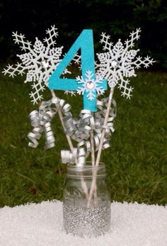 Winter Onederland Pink and Gold Centerpiece Snowflake Wands Table Decoration Frozen Birthday Party Winter Onederland by GracesGardens on Etsy Frozen Themed Birthday Party, Fourth Birthday, 6th Birthday Parties, Birthday Ideas, Olaf Birthday, Winter Birthday, Birthday Table, Frozen Party Centerpieces, Frozen Table Decorations