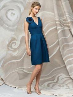 (NO.018740 )Sheath / Column V-neck  Hand-Made Flower Sleeveless Knee-length  Satin Royal Blue Bridesmaid Dress / Cocktail Dress / Homecoming Dress