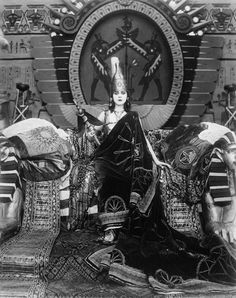 """Theda Bara in """"Cleopatra"""". The 1917 film Cleopatra, starring the hypnotic Theda Bara — the first """"vamp"""" of cinema history — inspired a wave of Egyptian Revival architecture. Film Movie, Film D'action, Movies, Films, Vintage Hollywood, Classic Hollywood, Hollywood Glamour, Vintage Photographs, Vintage Photos"""