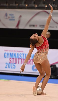 Margarita Mamun (Russia) gets 19.000 points for her ball routine and she wins silver in ball finals at World Championships 2015