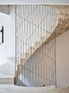 Architekt: Amin Taha Architects + Groupwork Fotografie: Timothy Soar Source by sutekf Modern Staircase, Spiral Staircase, Staircase Design, Detail Architecture, Interior Architecture, Staircase Architecture, Interior Stairs, Interior And Exterior, Stone Interior