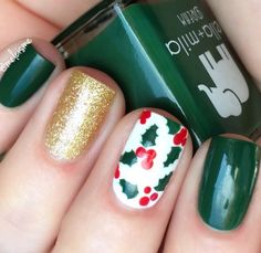 Holiday mani by @melcisme using our Holly Nail Decals snailvinyls.com ❄️CYBER MONDAY STEALS! 40% Off everything all day + FREE Candy Cane Nail Stencils with every order and all orders over $40 get a FREE Winter Nail Vinyl Variety Pack ($15.99 value) too! Use Code: CYBER40 at snailvinyls.com