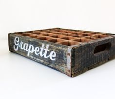 Wooden crate with type detail (Pop Bottle Display) Wooden Crates, Wooden Boxes, Old Coke Crates, Merida, Bottle Display, Market Displays, Vintage Love, Vintage Stuff, Pop Bottles