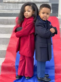"""Phyllis Randall on Twitter: """"I don't know whose babies these are but two things: 1. Representation Matters 2. They are sooooo DARN CUTE… """" American Flag Pin, Michelle And Barack Obama, Presidential Inauguration, Kids Dress Up, He's Beautiful, Beautiful Pictures, Cutest Thing Ever, Canada Goose Jackets, Winter Jackets"""