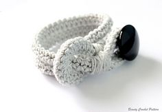 Bracelet with button