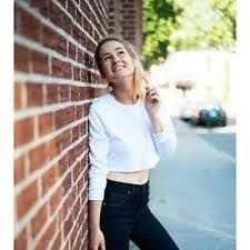 """Résultat de recherche d'images pour """"emma verde"""" Emma Verde, Barbeau, Youtubers, Poses, Crop Tops, People, Outfits, Images, Passion"""