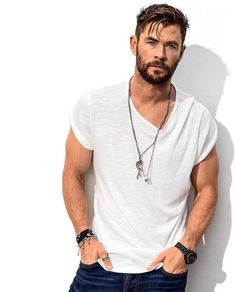 25 inspirational short hairstyle for men Chris Hemsworth Chris Hemsworth Thor, Hipster Hairstyles Men, Haircuts For Men, Short Hairstyles For Men, Braided Hairstyles, Glasses Hairstyles, Gray Hairstyles, Fascinator Hairstyles, Hairstyles Pictures