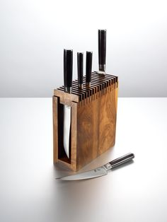 Ted's Woodworking Plans - Cool knife block Get A Lifetime Of Project Ideas & Inspiration! Step By Step Woodworking Plans Cool Woodworking Projects, Diy Wood Projects, Woodworking Crafts, Teds Woodworking, Wood Crafts, Woodworking Classes, Kitchen Knives, Kitchen Tools, Kitchen Storage