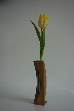 Dekorative #Holzvase aus Eiche. #wirliebenholz #holz #accessoires #inneneinrichtung #shop