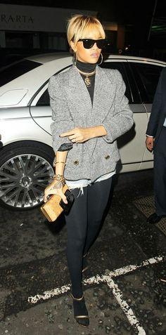 #Rihanna. Nice outfit