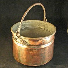 Vintage Copper Pail.... this reminds me of my Mum.