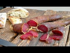 MOCETTA di MAIALE fatta in casa - YouTube Charcuterie, Preserving Food, Meat Recipes, Sausage, The Cure, Food And Drink, Canning, Pancetta, Hobby