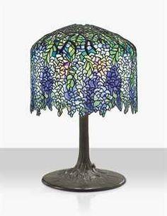 TIFFANY STUDIOS A 'WISTERIA' TABLE LAMP, CIRCA 1905