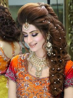 Briglia acconciatura 31 Ağustos 2018 Neu Frisuren Stile 2018 32 Views admin 31 Ağustos 2018 New Hairstyles Styles 2018 32 Visualizzazioni Acconciatura da sposa per tutor. Pakistani Bridal Hairstyles, Mehndi Hairstyles, Pakistani Bridal Makeup, Girl Hairstyles, Wedding Hairstyles, Hairstyles 2018, Bride Makeup, Hair Makeup, Pakistan Bridal