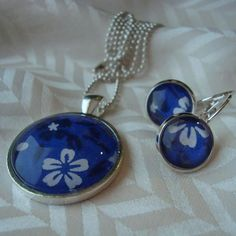 washi --- navy and white flowers in blue background, are crafted into pretty pendant and earrings