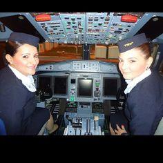 #crewlife #flightattendant #aeromoças #aeromoça #comissáriadebordo #comissários #fly #revistatripulante #aerolindas #tripulantes #comissariasdevoo #vidadecomissaria #vidadetripulantes #doceaeromoça #stewardess #cabincrew #airhostess #aviation