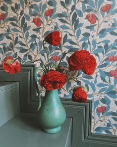 William Morris Wallpaper, Morris Wallpapers, Condo Decorating, Crazy Love, Pj, Poppy, Homes, Interiors, Painting