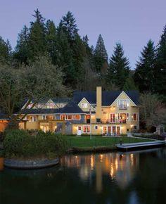 lemonadeandivy:    lake house dreaming.