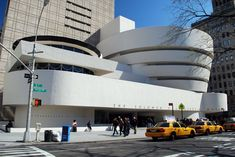 The Great White Museum Of Frank Lloyd Wright Jr Architecture In Modern Design
