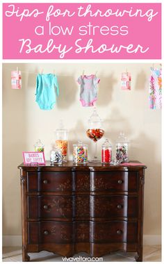 Throwing a baby shower doesn't have to be stressful - here are some great tips and ideas! (spon)