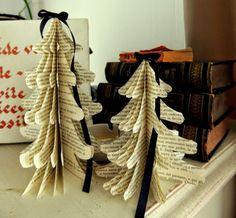 Ancora non avete addobbato la casa per il Natale? Tra gli ornamenti fai da te, gli alberelli di carta sono un'ottima soluzione, facili e veloci da creare!