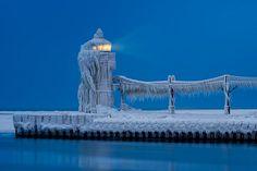 ~~ Frozen Lighthouse by Glenn Nagel ~~