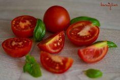 Sezónní ovoce a zelenina: RAJČATA Vegetables, Food, Essen, Vegetable Recipes, Meals, Yemek, Veggies, Eten
