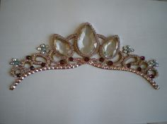 Great tutorial for making Rapunzel's Tiara from Tangled. Will have to give this a go for sure!