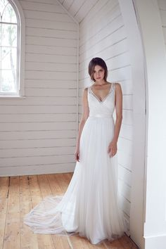 Karen Willis Holmes 2014 Wedding Dress Collection | Bridal Musings Wedding Blog