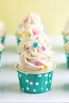 Celebrate springtime with this colorful cupcake recipe! Ready in just 20 minutes and topped with freshly whipped buttercream frosting, these Homemade Funfetti Cupcakes are the perfect dessert to bring to a party. Vanilla Buttercream, Vanilla Cupcakes, Yummy Cupcakes, Buttercream Frosting, Vanilla Cake, Cookies Cupcake, Cupcake Bakery, Cupcake Wars, Cupcake Recipes