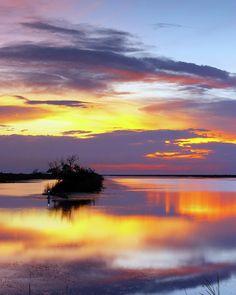 ✮ Spectacular sunset at Hillsboro Canal in Loxahatchee National Wildlife refuge