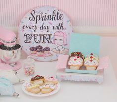 ••  Sweet Petite Miniature Play Scale Cupcake Cookies